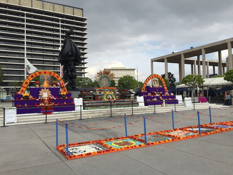 dia de los muertos on the plaza
